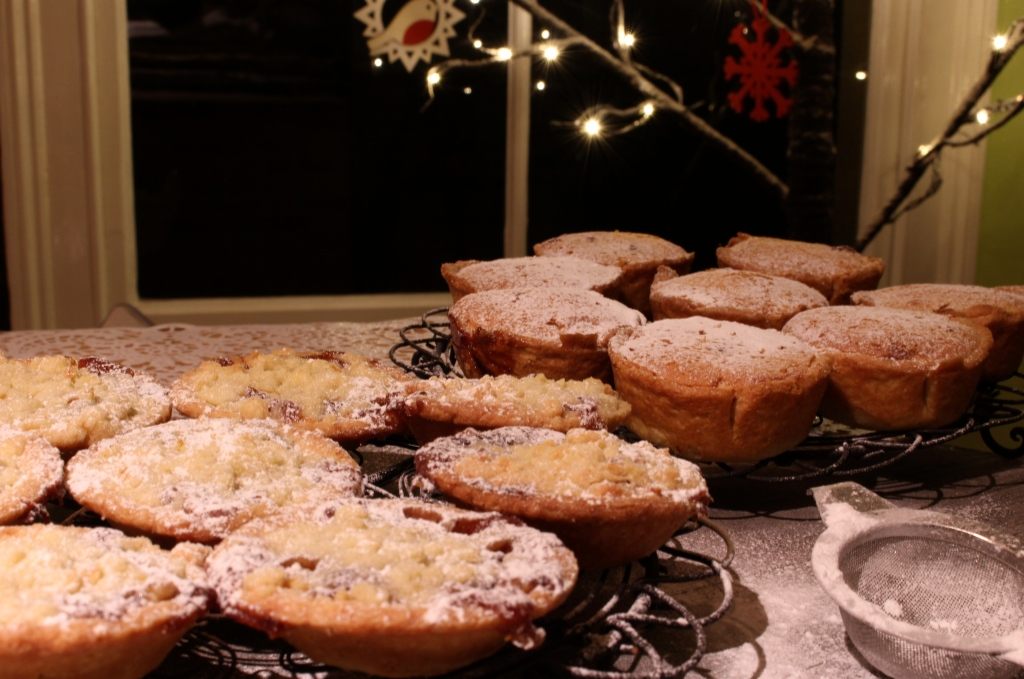 Cranberry, orange and almond mince pies