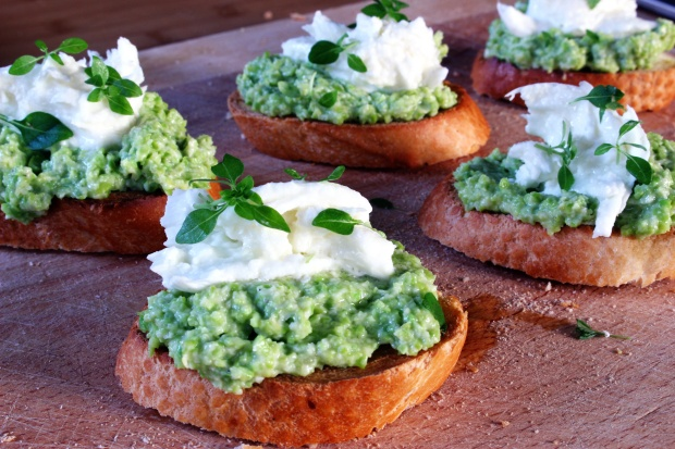 Broad bean and mozzarella toasts